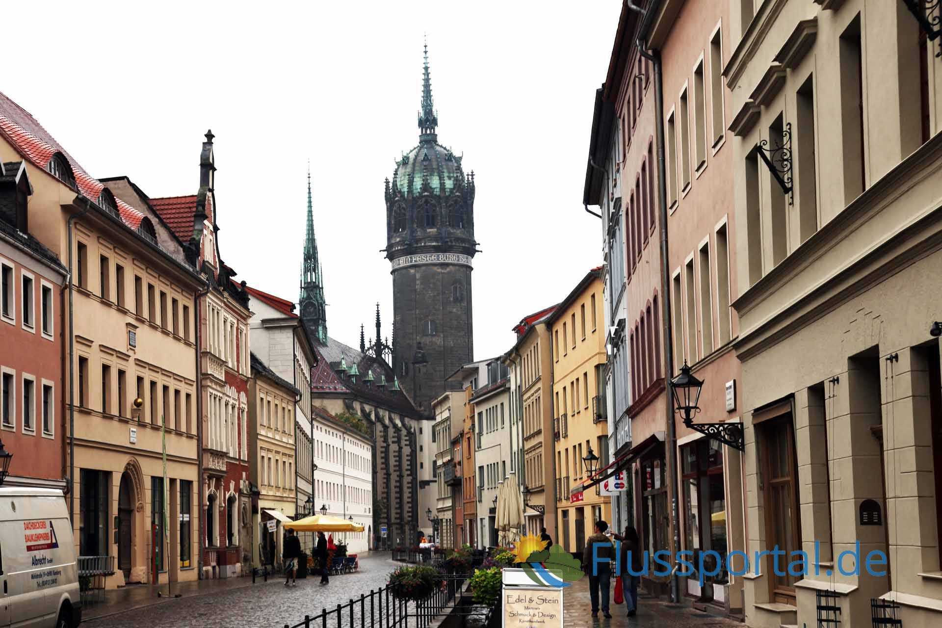 Die Schlosskirche dominiert die Altstadt