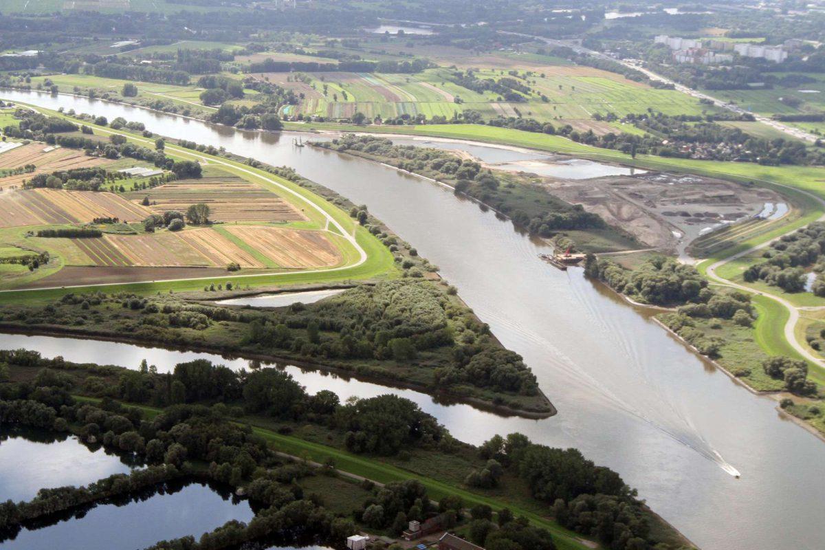 Dove Elbe und die Norderelbe, beide Gewässer bilden die Spadenländer Spitze.