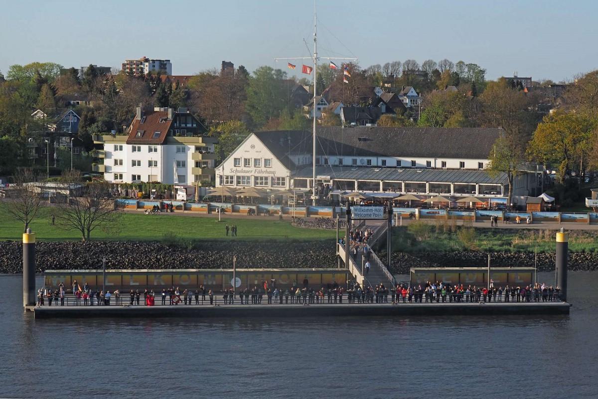 Die Schiffsbegrüßungsanlage Willkomm-Höft am Schulauer Fährhaus