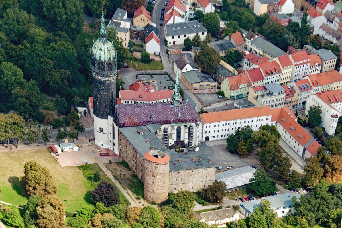 """Die Schlosskirche war für Luther eher ein öffentlichen Raum in den er seine Thesen an der Kirchentür zur """"Disputation"""" stellte"""