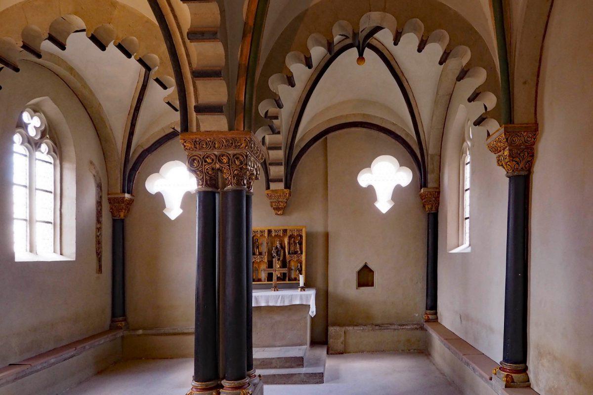 Ein besonderes architektonisches Kleinod auf der Burg ist die um 1180 errichtete Doppelkapelle