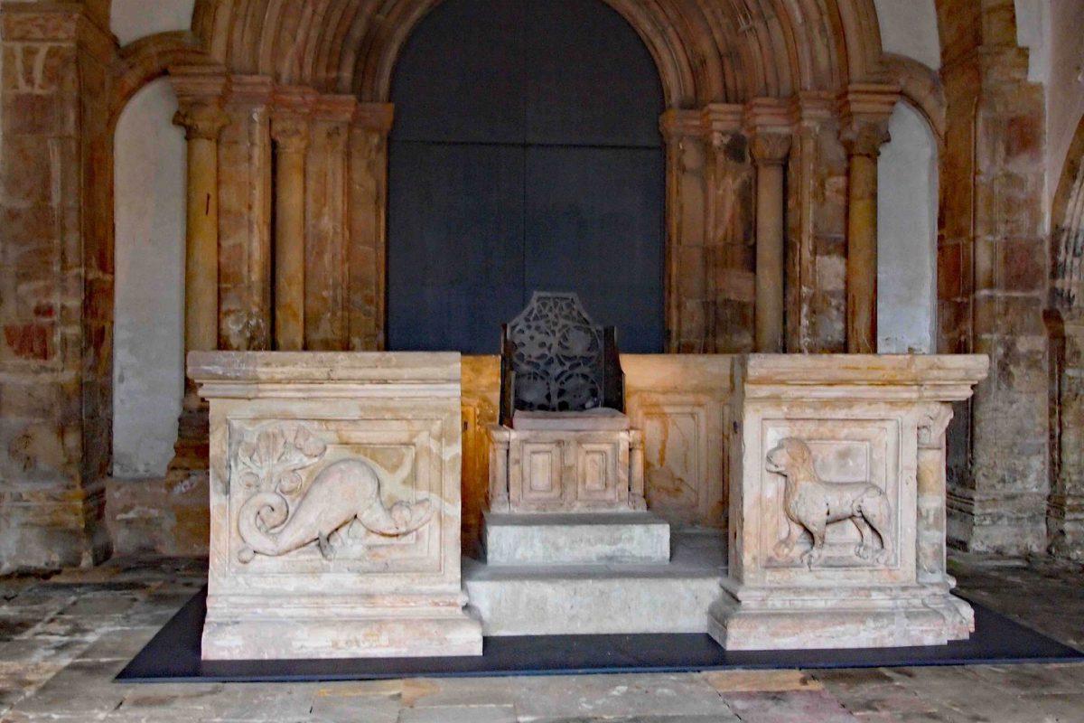 Der Kaiserstuhl Heinrich des II.in Goslar