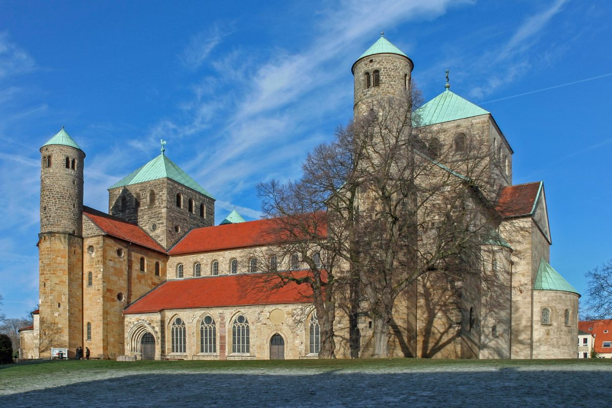 Die Michaeliskirche in Hildesheim gilt als Schlüsselbau zum Verständnis ottonischer Kirchen