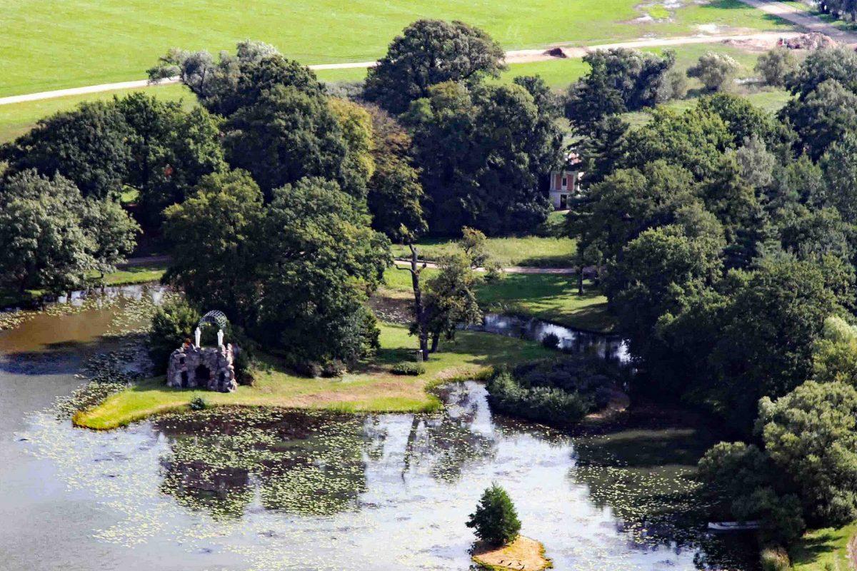 Die Amalieninsel im östlichen Großen Walloch des Wörlitzer Parks erhielt ihren Namen nach der Erbprinzessin Christiane Amalie