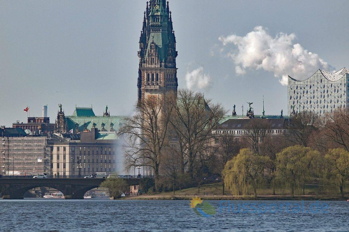 Die Binnenalster, die Speicherstadt und zur HafenCity stehen heute für Hamburger und Touristen im engen Verbund
