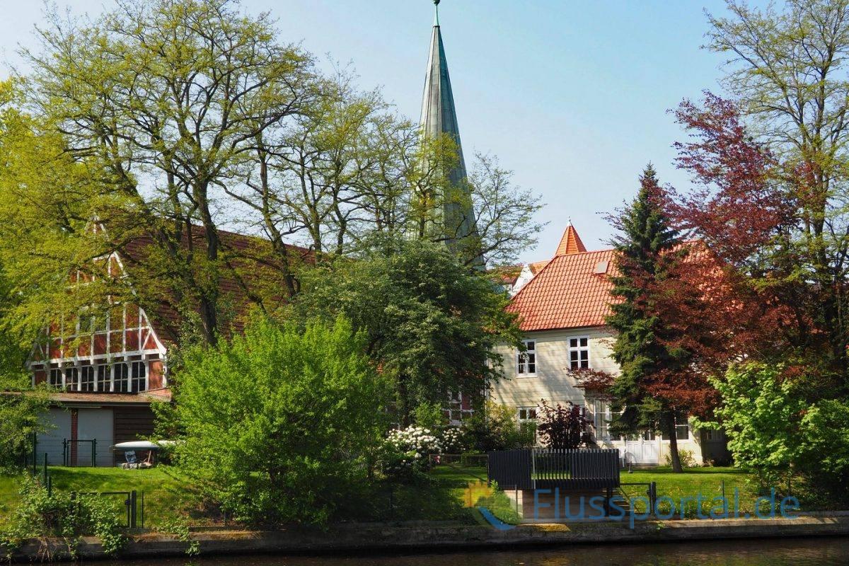 """St. Johannis am Eppendorfer Ufer ist eine der bekanntesten """"Hochzeitskirche"""" in Hamburg"""