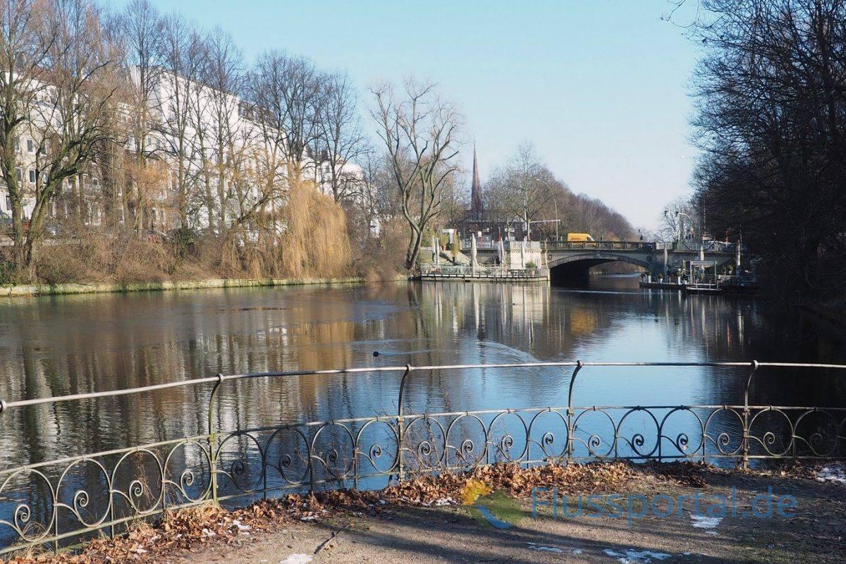 Der Bick von den Kasematten der Schwanenwikbrücke auf den Mundburger Kanal