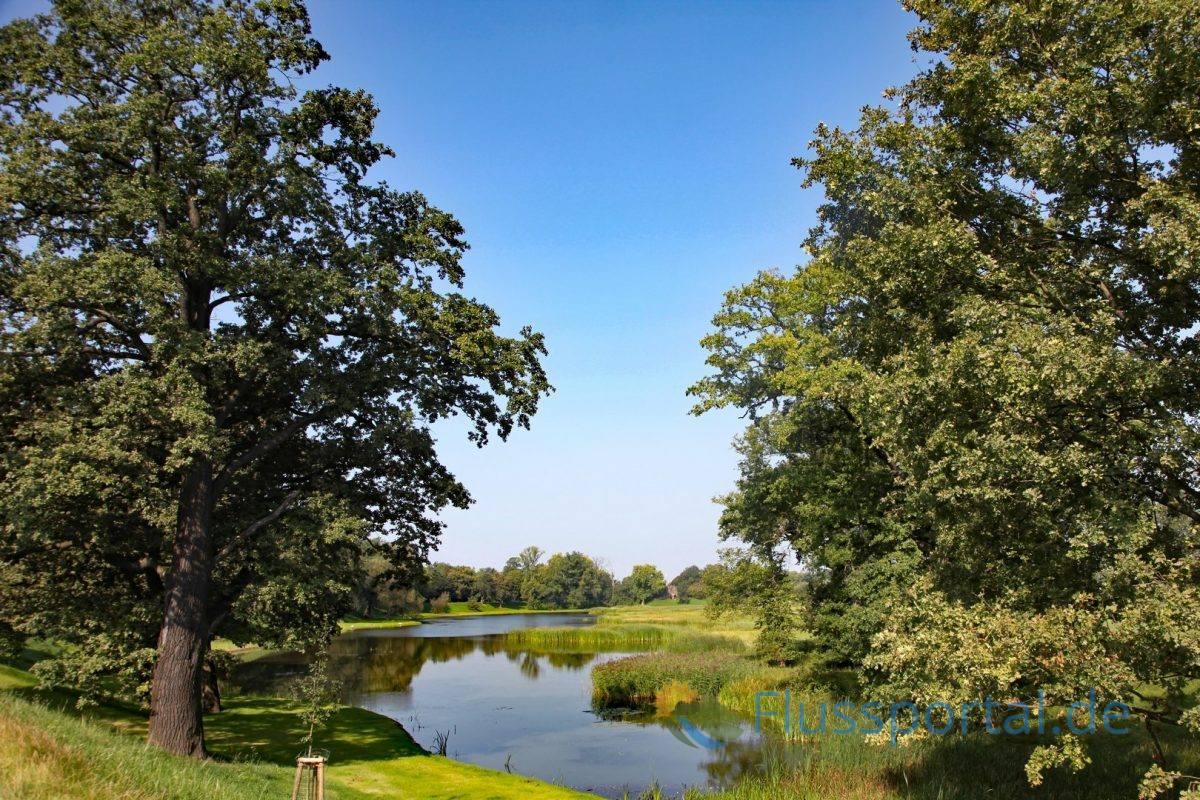 Die Elblandschaft, eine ideale Kulisse für den Anlage eines Englischen Gartens